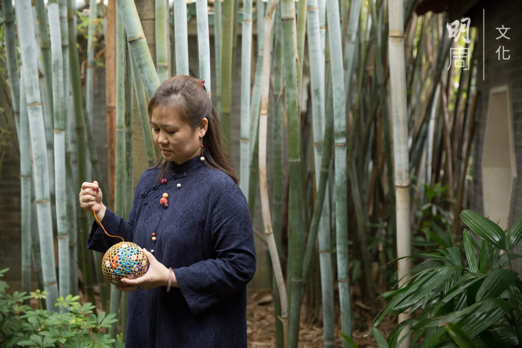 黃秀娟現擔任日本手毬協會支部長,於本地推廣傳統手毬工藝。
