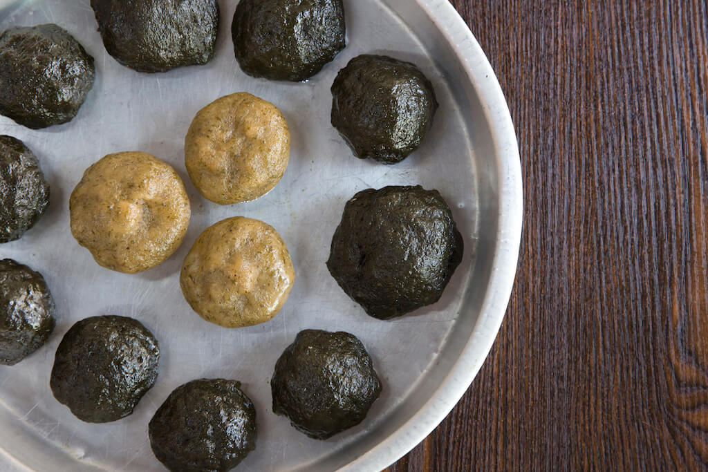 清明粄,俗稱清明仔,是「寒食」時節的一種美食,即夏令冬至後一百零五天,人們不用火煮食,預先蒸好的清明粄就是其中一款食物。
