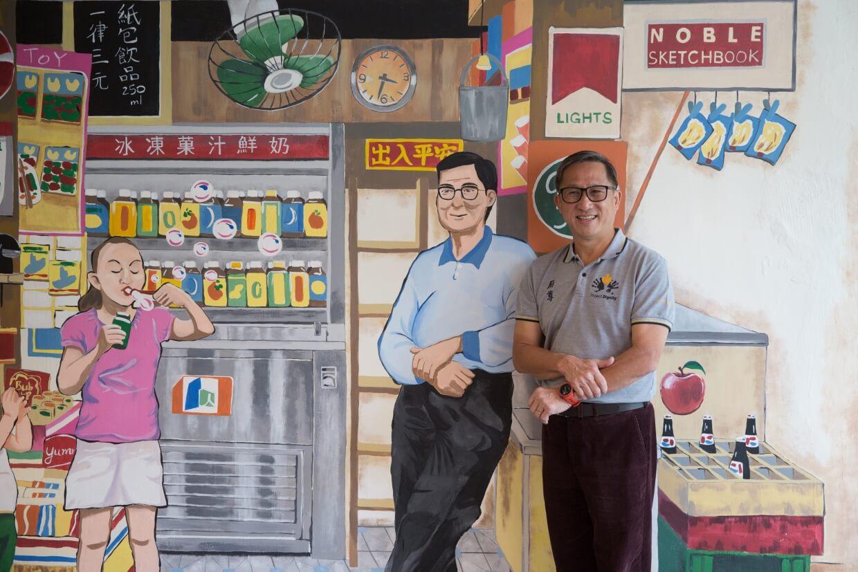 十年前許承俊在新加坡創辦廚尊,剛開業時「每日飯都例走兩公斤」。十年後許承俊在香港開設首間海外分別,卻遇上「冰河時期」。身穿灰樸上衣的他一直都在迎難而上。