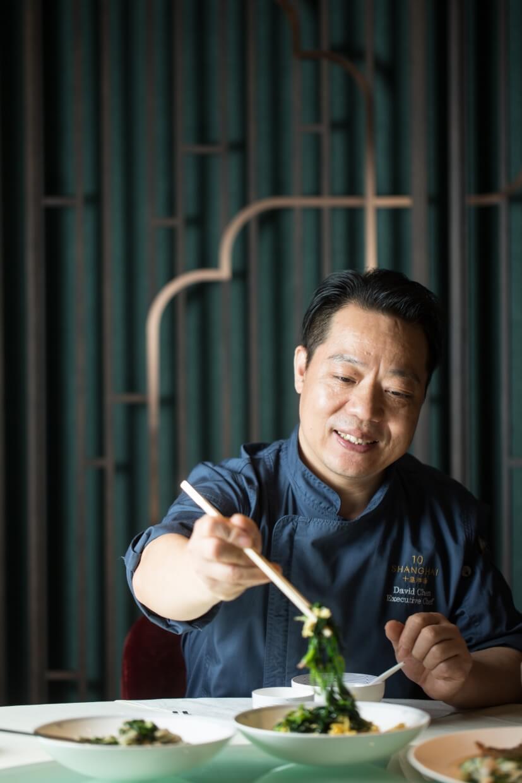 與陳曉鶴聊江南野菜,他總提及揚州老家後邊那片田。依四時耕作不同物種,雖非野地而生,卻都是合時令的好滋味。