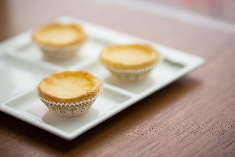 迷你蛋撻仔 // 用藍水仙搓成的「曲奇皮」入口鬆脆,每件的骰,可一連食兩三個。($58/3個)