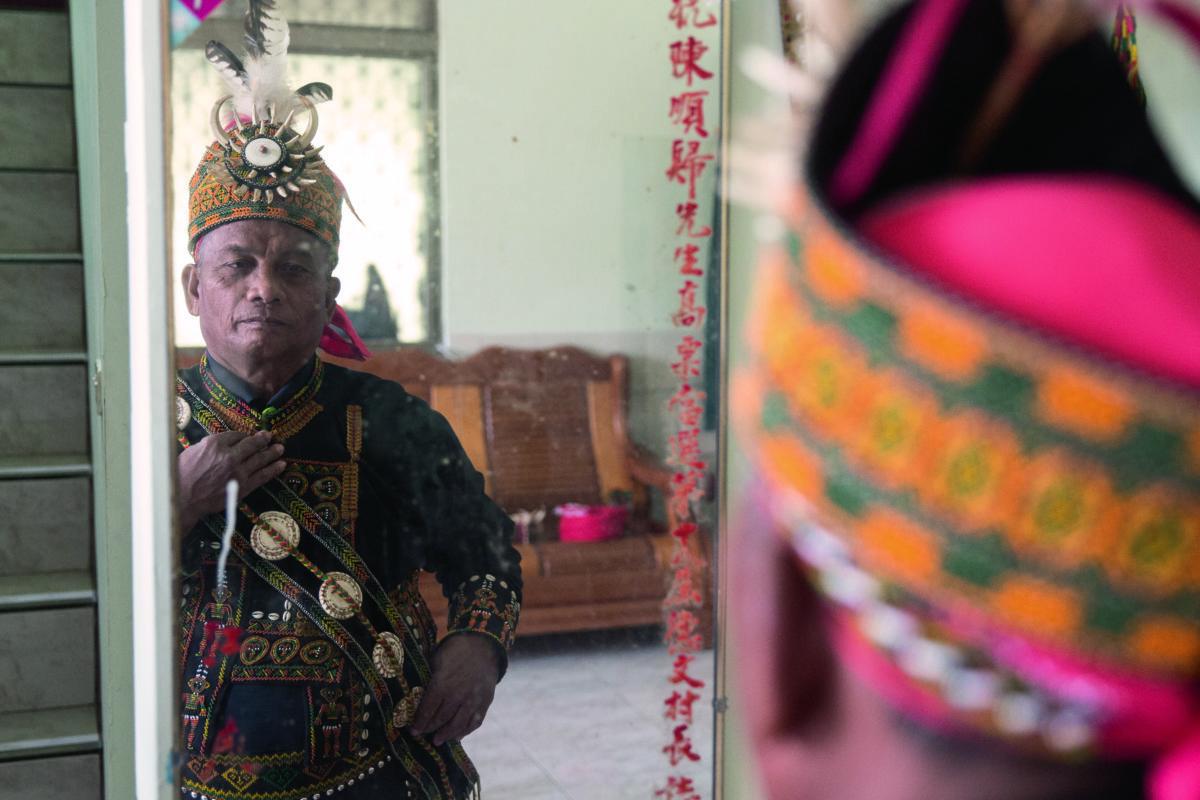 陳順歸曾在台北當了二十年的士司機,還是回到部落最踏實。