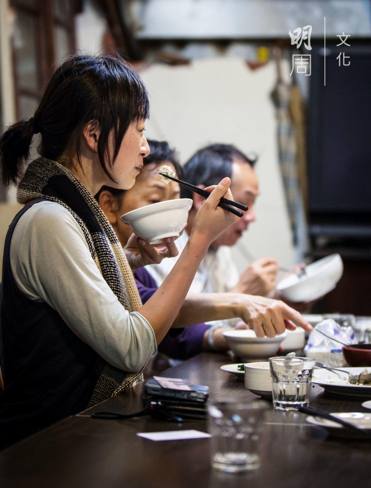 學者蔡晏霖亦是座上客,對這餐家宴讚不絕口。