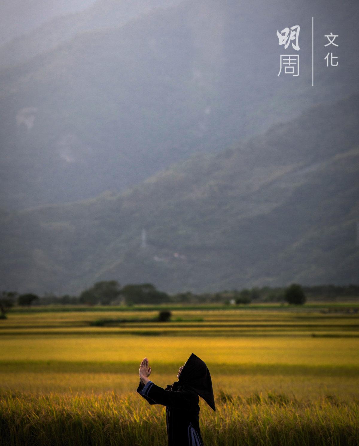 稻浪翻飛,藝術在農民熟悉的場景中呈現,藝術令城鄉沒有隔閡。