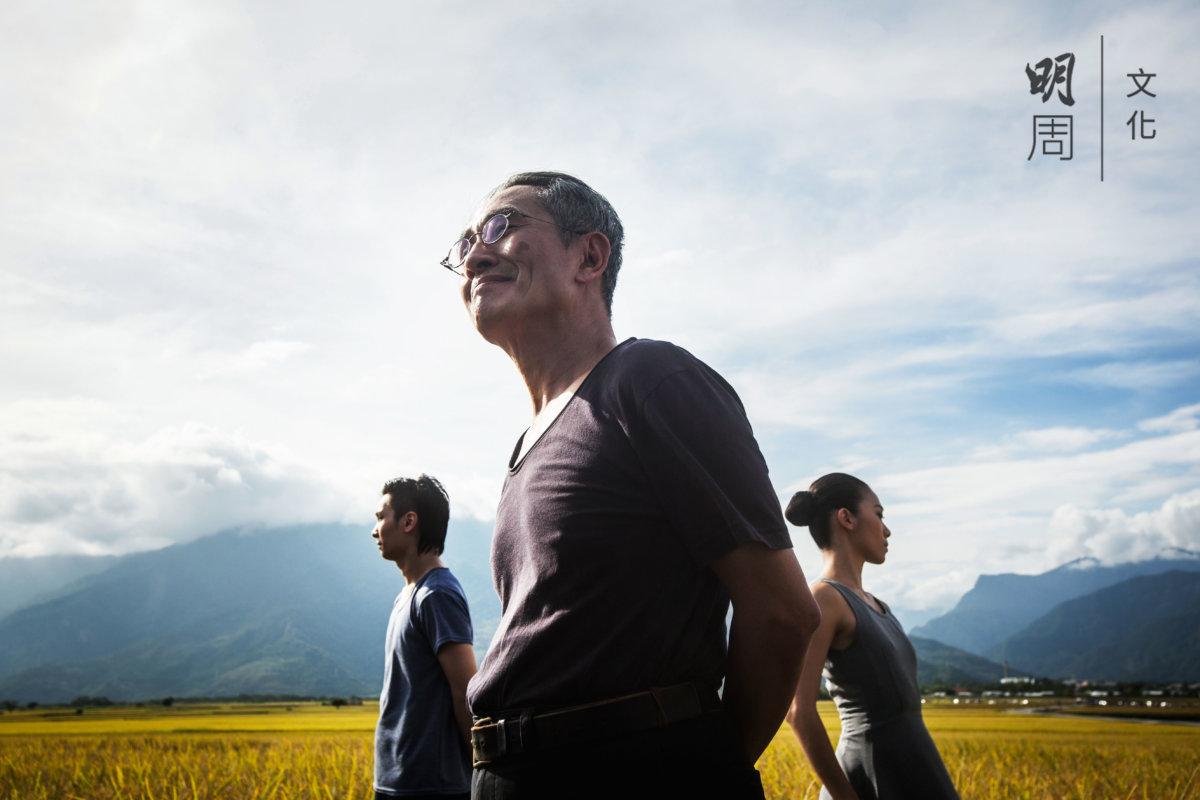 林懷民自稱有「稻米情結」。七十年代的《薪傳》徒手「插秧」。九十年代的《流浪者之歌》真米登場。雲門四十歲,又回到稻田。