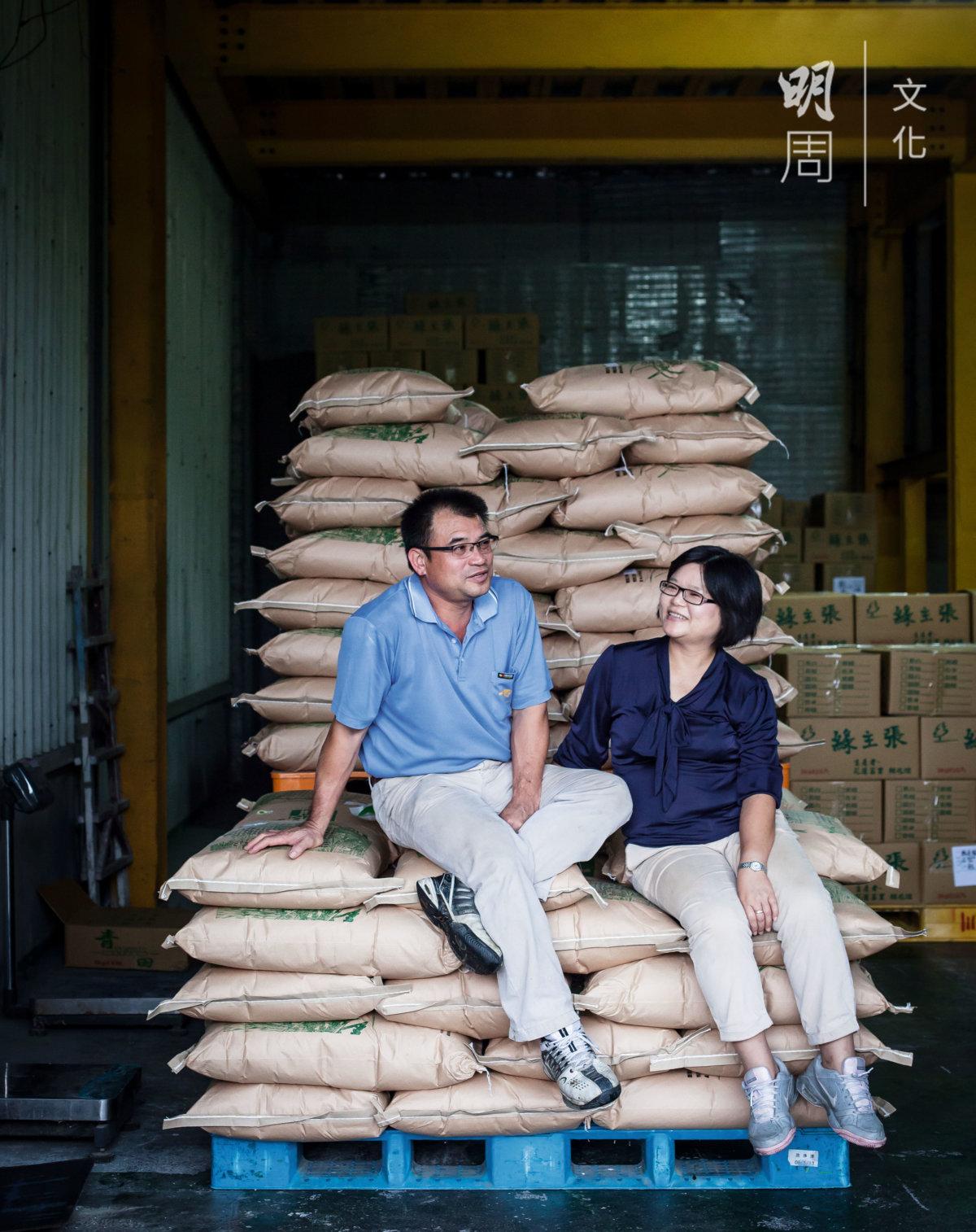 經營台灣最大的有機農 場,賴兆炫和梁美智夫 婦着眼的不只是稻田, 還有生態。