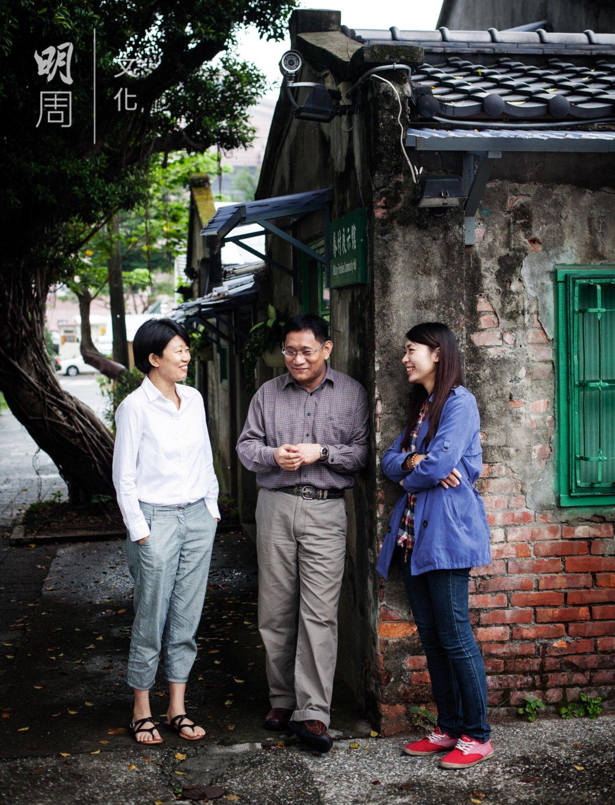 「上下游新聞市集」核心成員,左一馮小非,中間汪文豪,右邊林慧貞