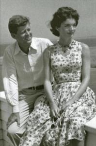 當年Jackie Kennedy穿過的Marimekko印花連身裙