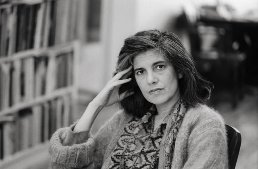 著名攝影師Annie Leibovitz為Susan Sontag拍攝的肖像