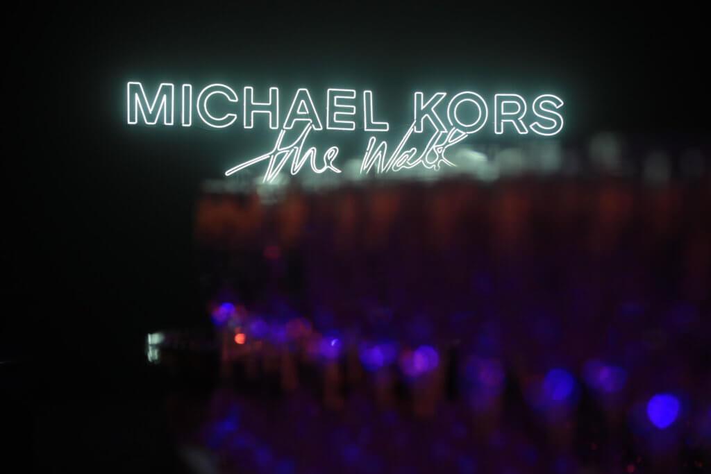 Michael Kors舉辦的「#城市T台不服來抖」,在抖音引起潮流。