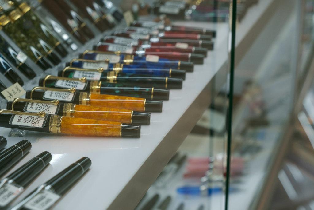 店主C.P.強調,墨水筆可用一世,合乎環保原則,非常值得購入。