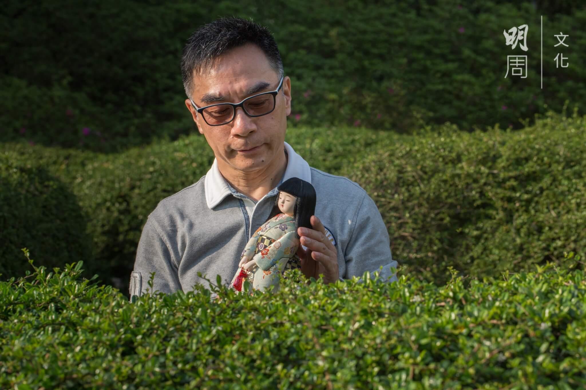 楊油光退休後專注製作日本傳統木目込人形,沿承歷史悠久的上賀茂流。