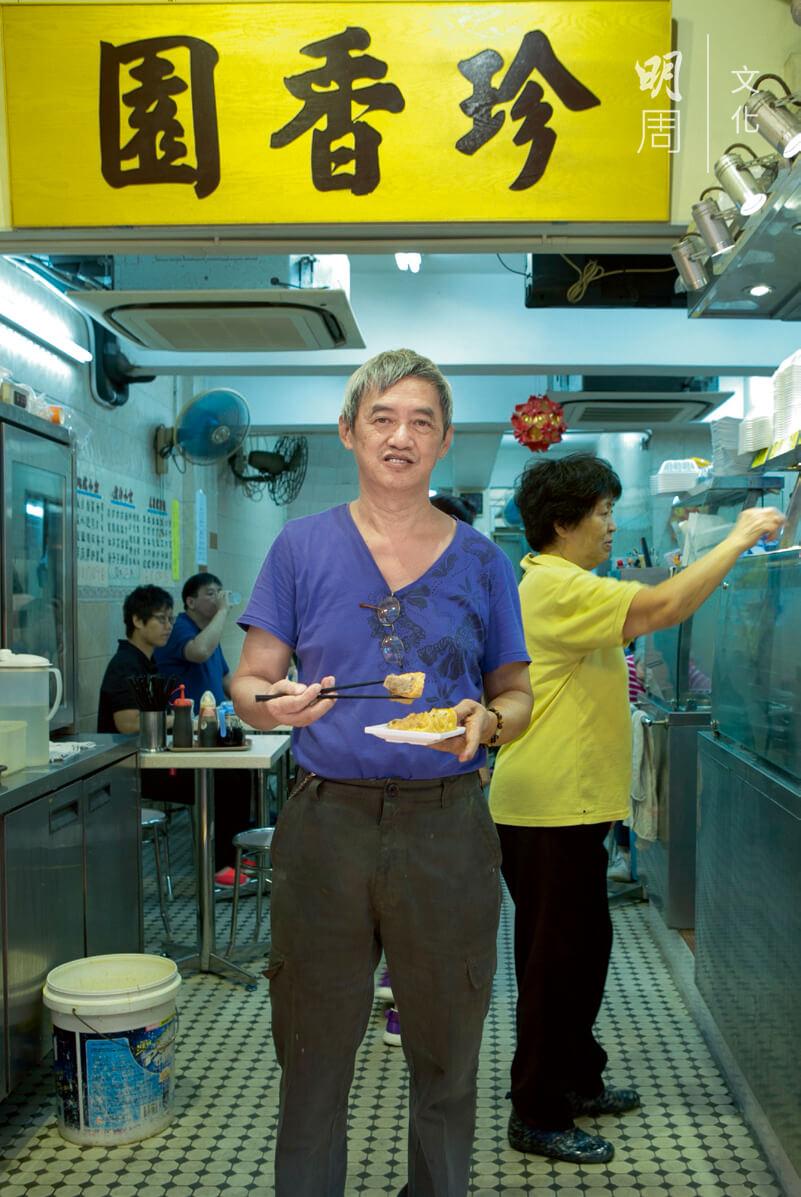 陳子富吃力經營豆腐舖,出於一份情意結。