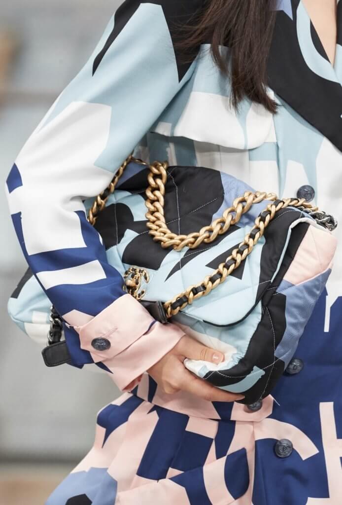 chanel-chanel-19-it-bag