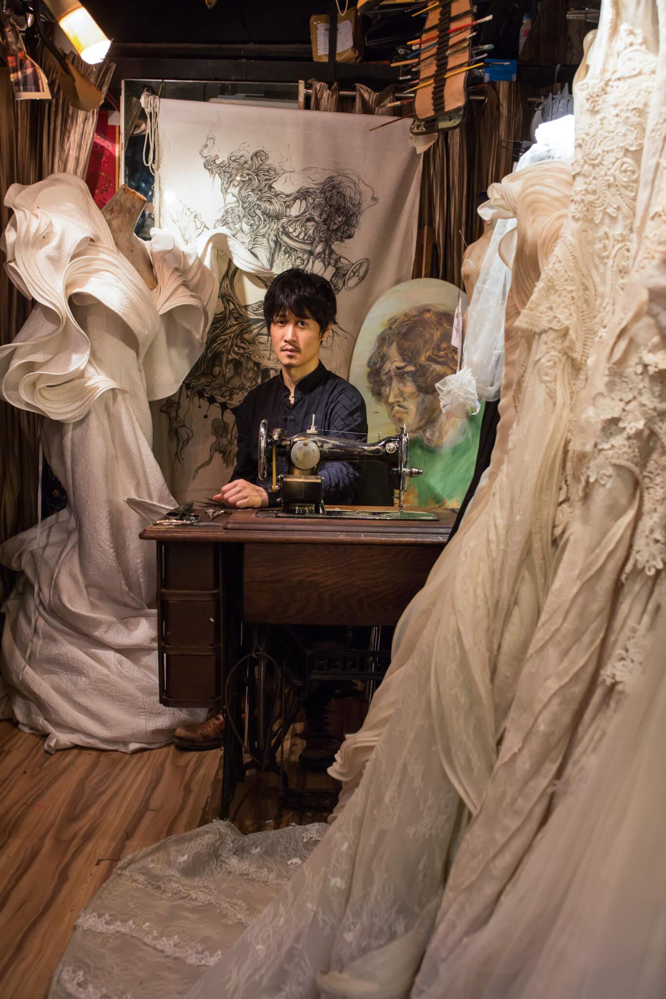 獨立設計師Jeff Mui入行逾二十年,始終在潮流外看香港時裝轉變。