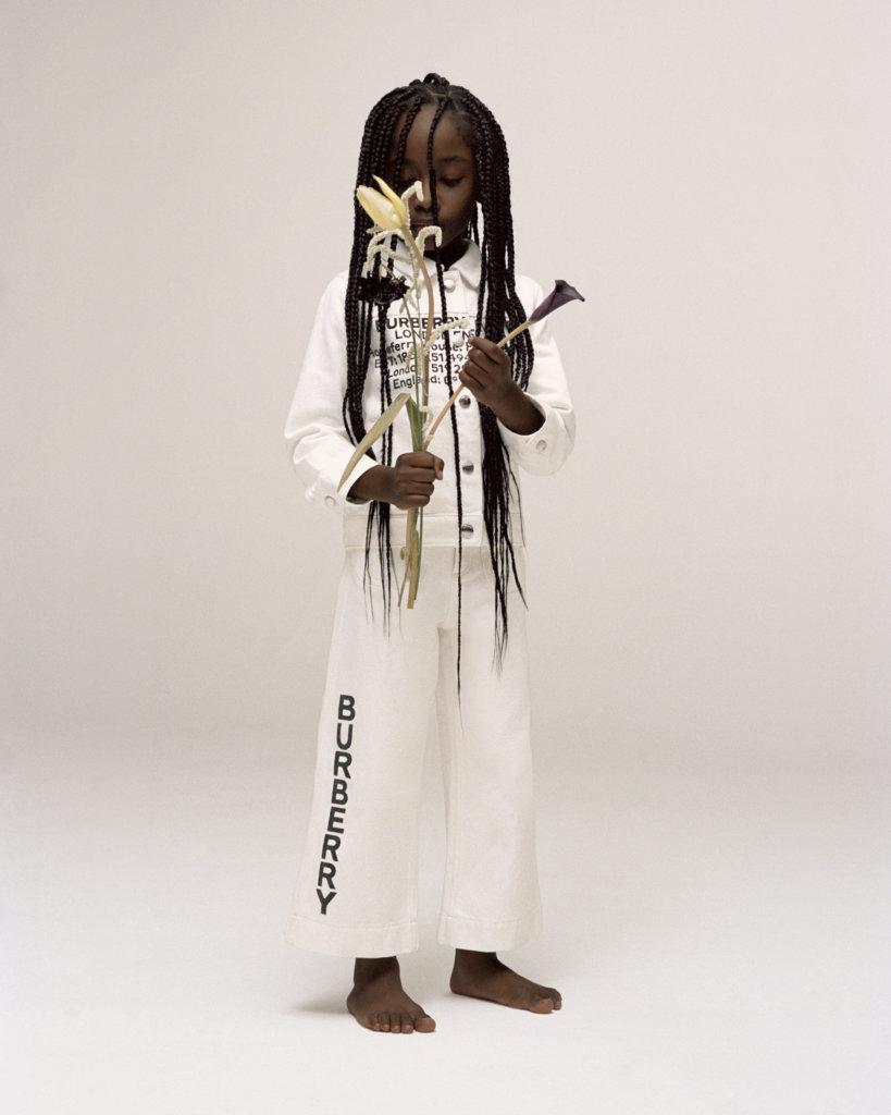 Burberry在Riccardo Tisci主理下,兒童模特兒時尚照充滿美感。