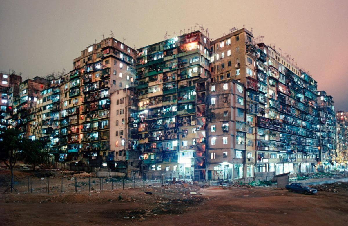 在外國人的印象當中,香港是Cyberpunk,是九龍城寨,也是90年代亞洲龍頭。