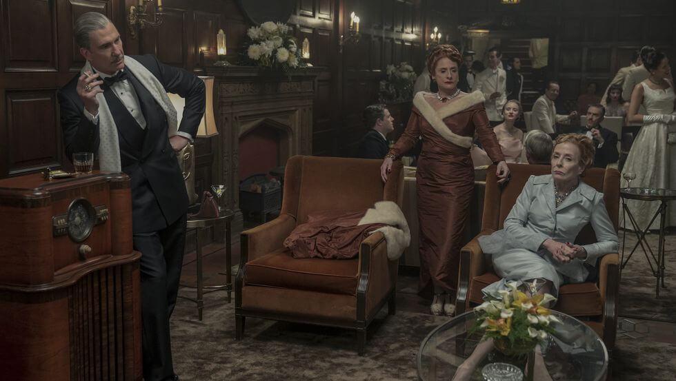 《Hollywood》的服飾設計完全體現四十年代戰後的紫醉金迷。