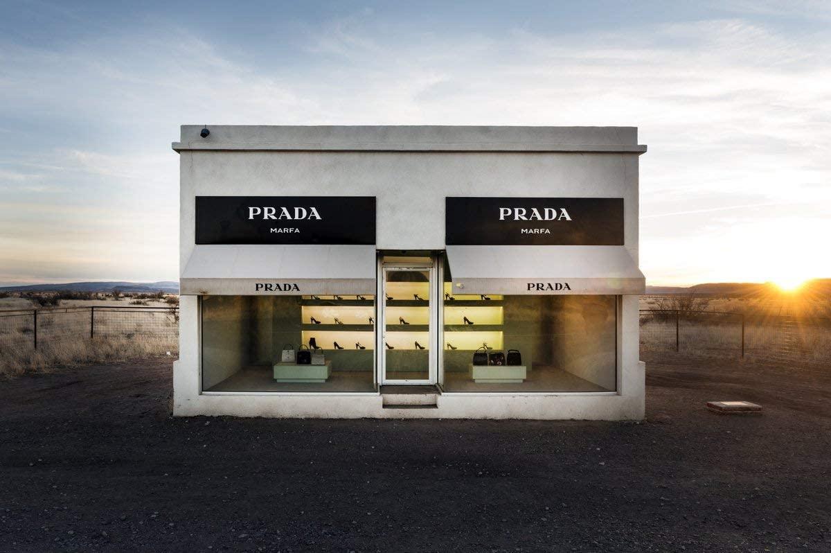 位於德州的Prada Marfa「概念店」
