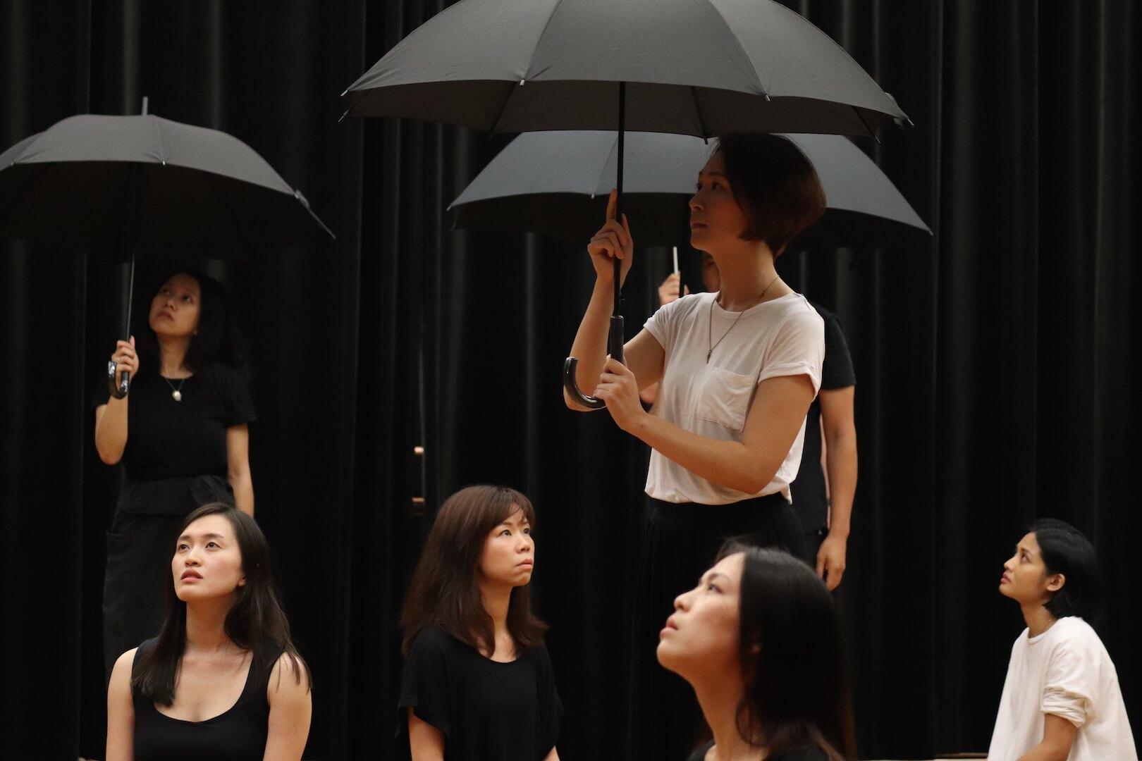 劇場可以讓我們抒發與梳理感受,甚至是向觀眾發問,一同探討答案,走出無力感。