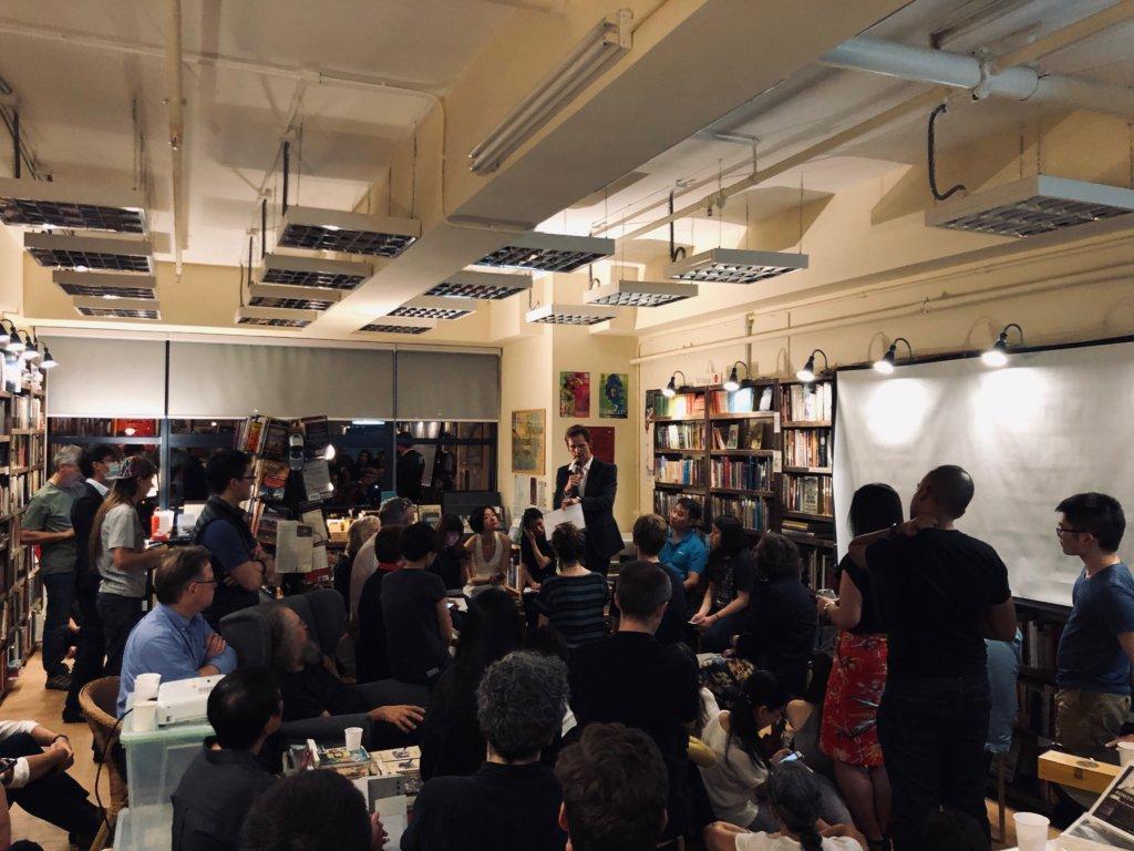 Albert視促進社區對話為獨立書店的重要精神,因此Bleak House Books不時舉辦活動,探討八九六四、記者中立等社會議題。(圖片由受訪者提供)