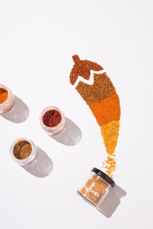品牌平日主售由意大利出產的辣椒粉,口味接近二十款,顏色縇麗。
