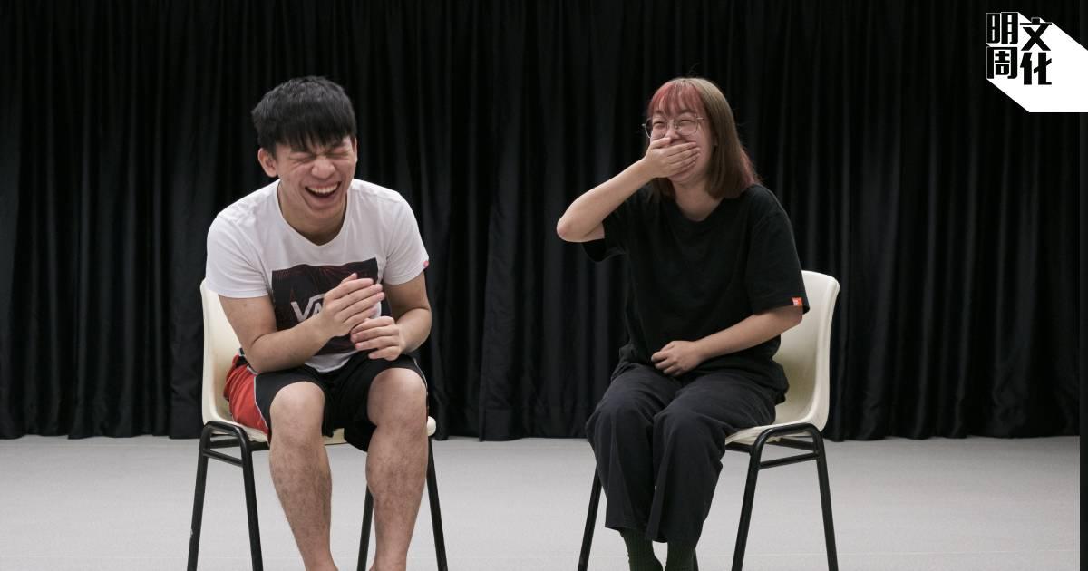 沈嘉穎(左)及江璪茹談到日常混亂與失序時,雖然偶有迷失,但也有開朗輕鬆一面。