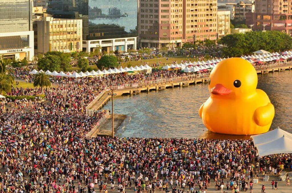 「Rubber Duck Project」曾掀起全球追鴨熱潮。