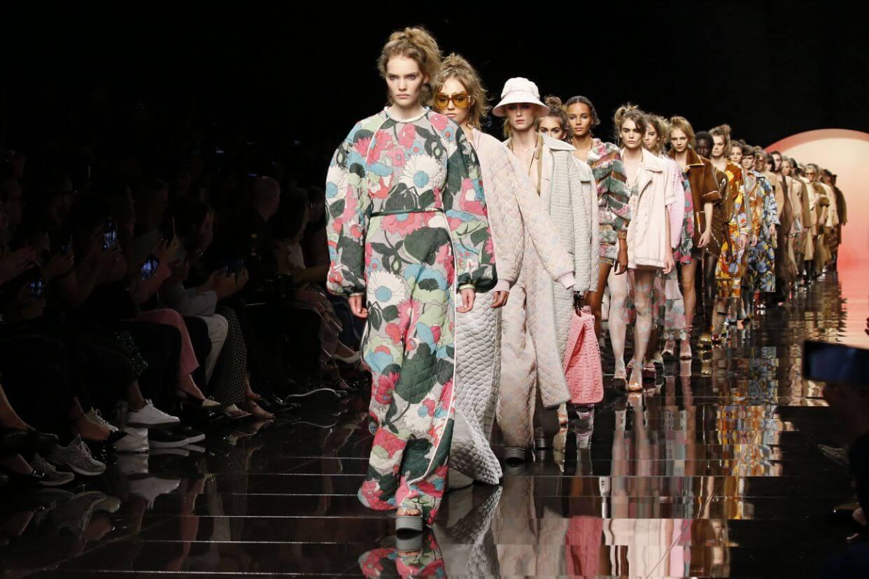 時裝界的營運制度會否有翻天覆地的改變?依然值得我們拭目以待。