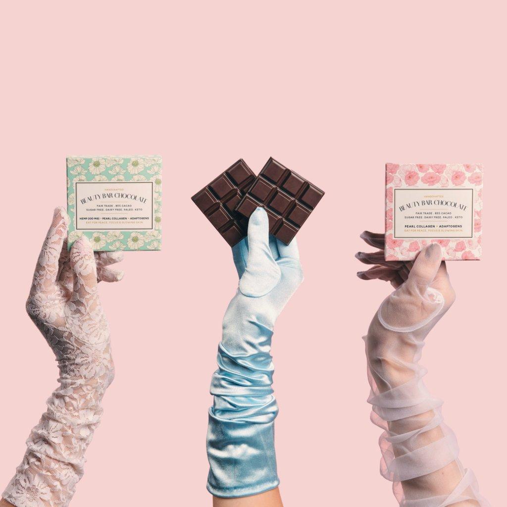 BEAUTY BAR CHOCOLATE $120 紅景天有助提升集中力,珍珠粉末能刺激膠原再生,締造亮澤美肌,同時令指甲及髮絲保持強健。