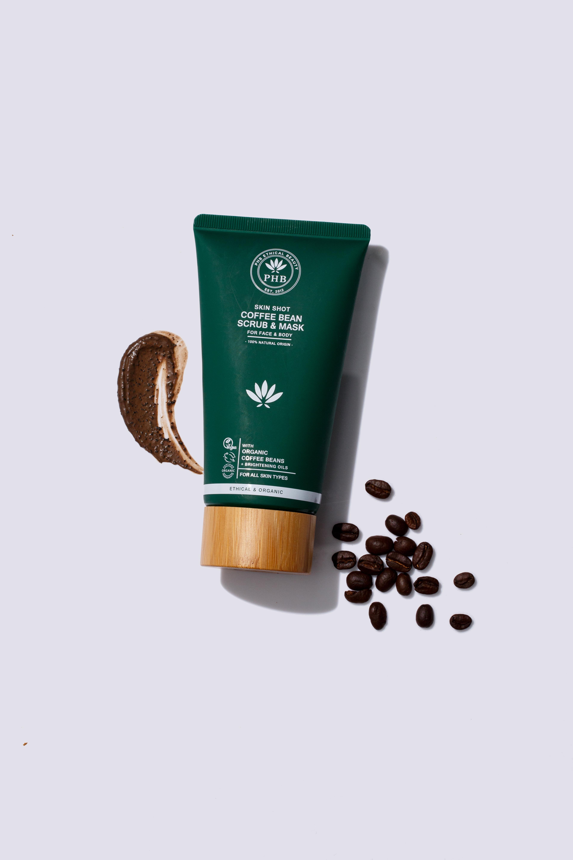 PHB Ethical Beauty 咖啡豆活膚磨砂面膜 HK$279/150ml 來自英國純手工製作的護膚品牌,含有有機咖啡豆的磨砂面膜可刺激血液循環,改善橙皮組織、毛髮倒生、疤痕和色斑等問題。