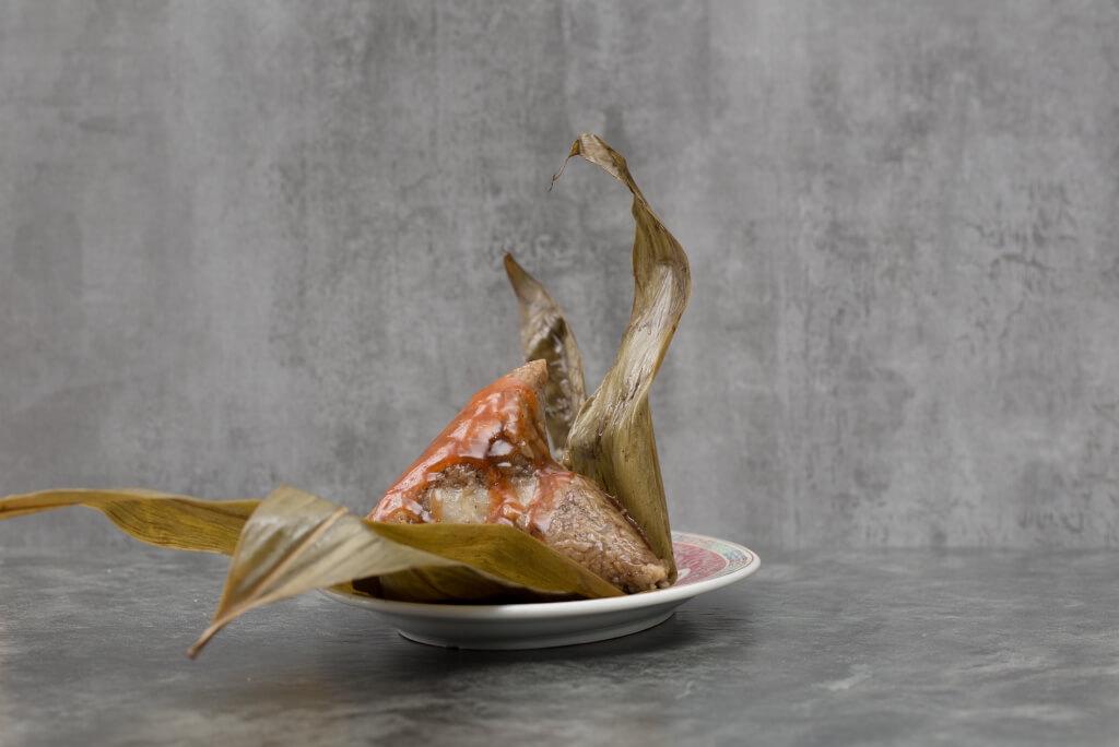 廈門肉糉 // 初次嘗廈門糉,阿珠會教你先嘗糉的軟糯米香,然後再加一點甜辣醬,比較兩者之別。($25)