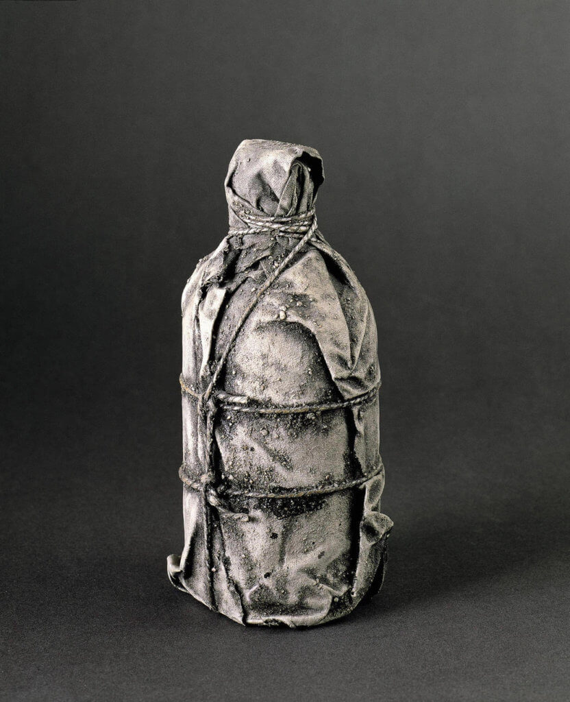 《Wrapped Bottle》 1958–60