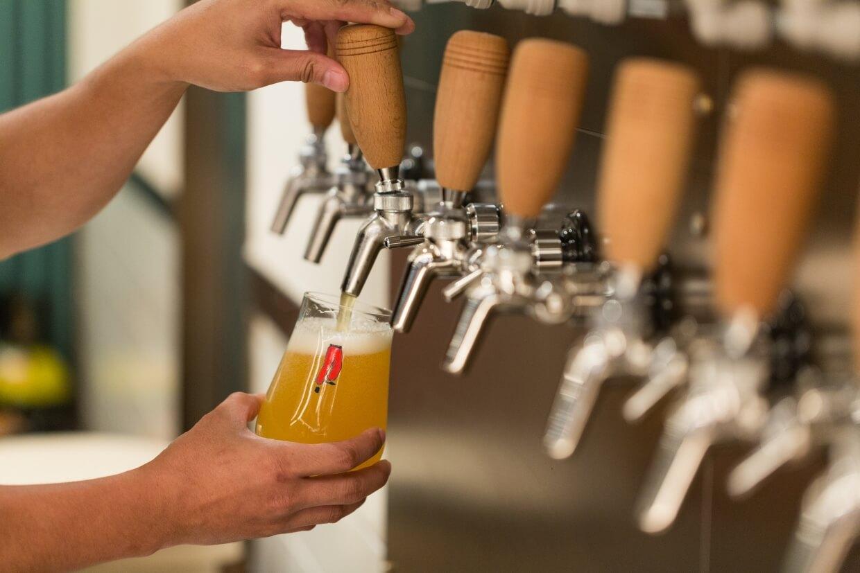 由本地手工啤品牌少爺啤主理的Pub 1842亦是BaseHall的其中一戶,並推出清新香甜的1842啤酒,正好可在Happy Hour時來飲一杯。