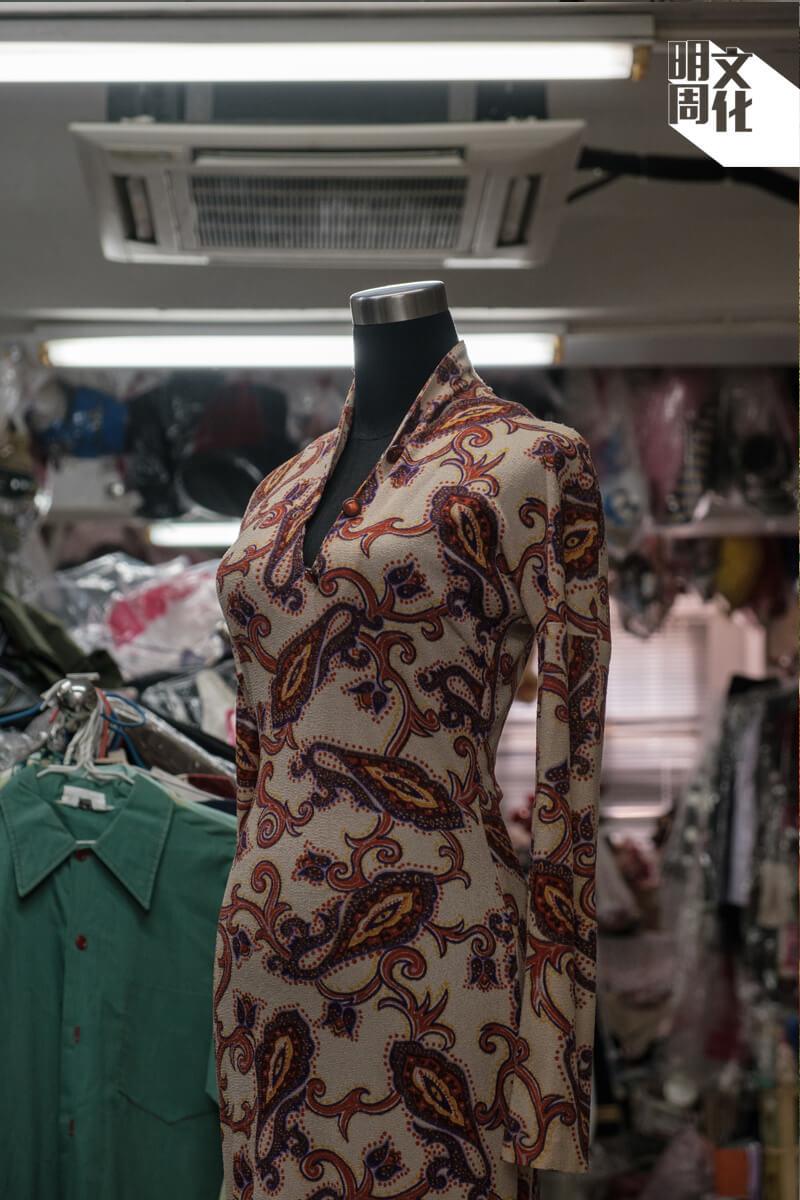 梅艷芳在 《奇蹟》的戲服
