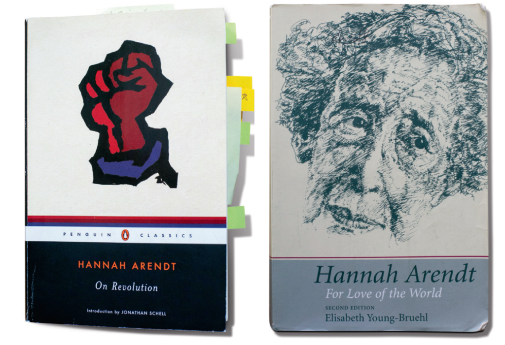 Hannah Arendt的《On Revolution》(左),Elisabeth Young-Bruehl的《Hannah Arendt: For Love of the World》(右)《On Revolution》是以前吳靄儀訪過灣仔獨立書店艺鵠ACO所買的書之一。對談完結後她也禁不住買書。