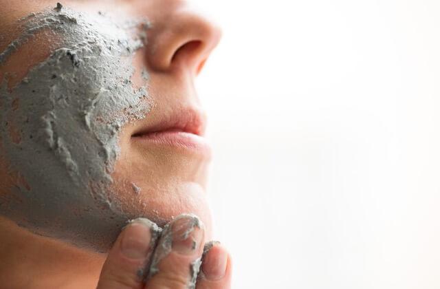 lush_catastrophe-cosmestic-fresh-face-mask_pr-shot-2