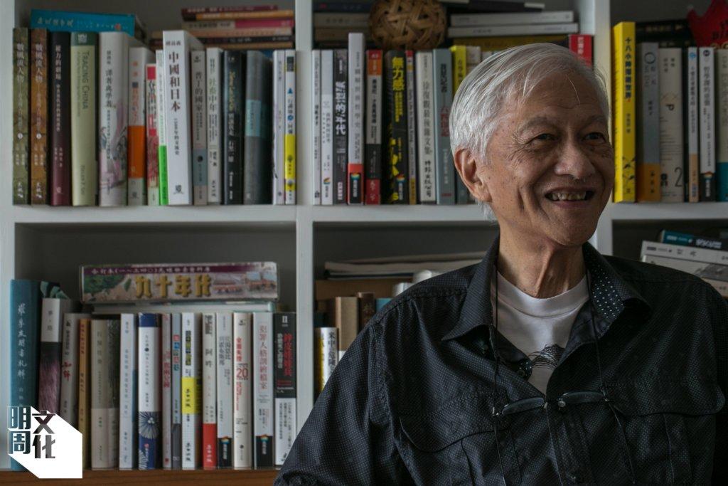 李怡今年八十四歲。年前本有撰寫回憶錄之計劃,但香港二〇一九年的社會變化讓他暫擱念頭。