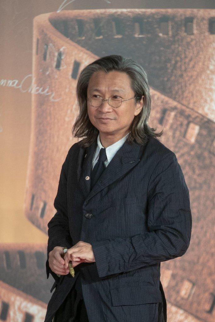 接受《紐約時報》採訪,陳可辛曾言:「我曾可以回港,聘請十個最好的導演,著手重建香港電影的黃金時代,但我不相信另一個黃金時代可以重臨。」