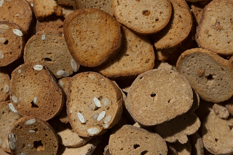 高蛋白餅乾共有四種口味,包括果仁味、韓式麻糬味、蒜香牛油味及辣味。($21.9/款)