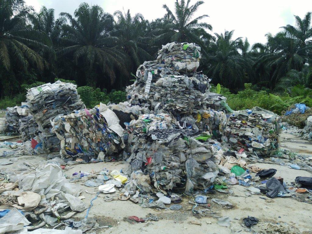 baled-waste-dumped-at-sungai-rambai-jenjarom-photo-credit-mageswari-sangaralingam-consumers-association-of-penang_2