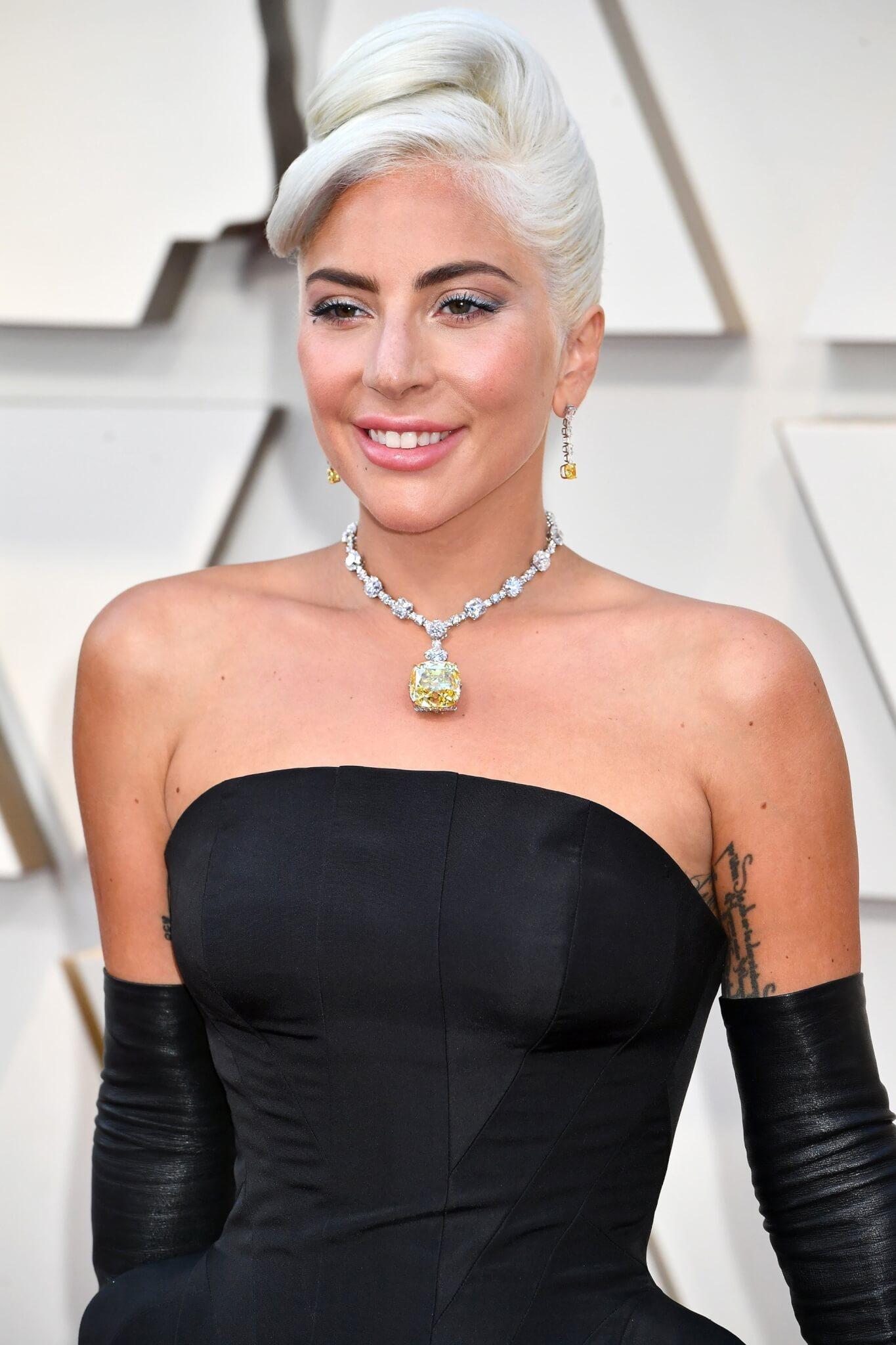 Lady Gaga在奧斯卡紅地氈上亦配戴過The Tiffany Diamond的項鏈。