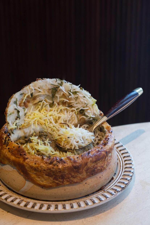 經典香料羊肉飯 // 熟透的米粒發長了兩至三倍,爽身而鬆軟。濃香咖喱內的羊肉早就軟腍入味,與米飯拌吃,一口接一口 好惹味。($228)