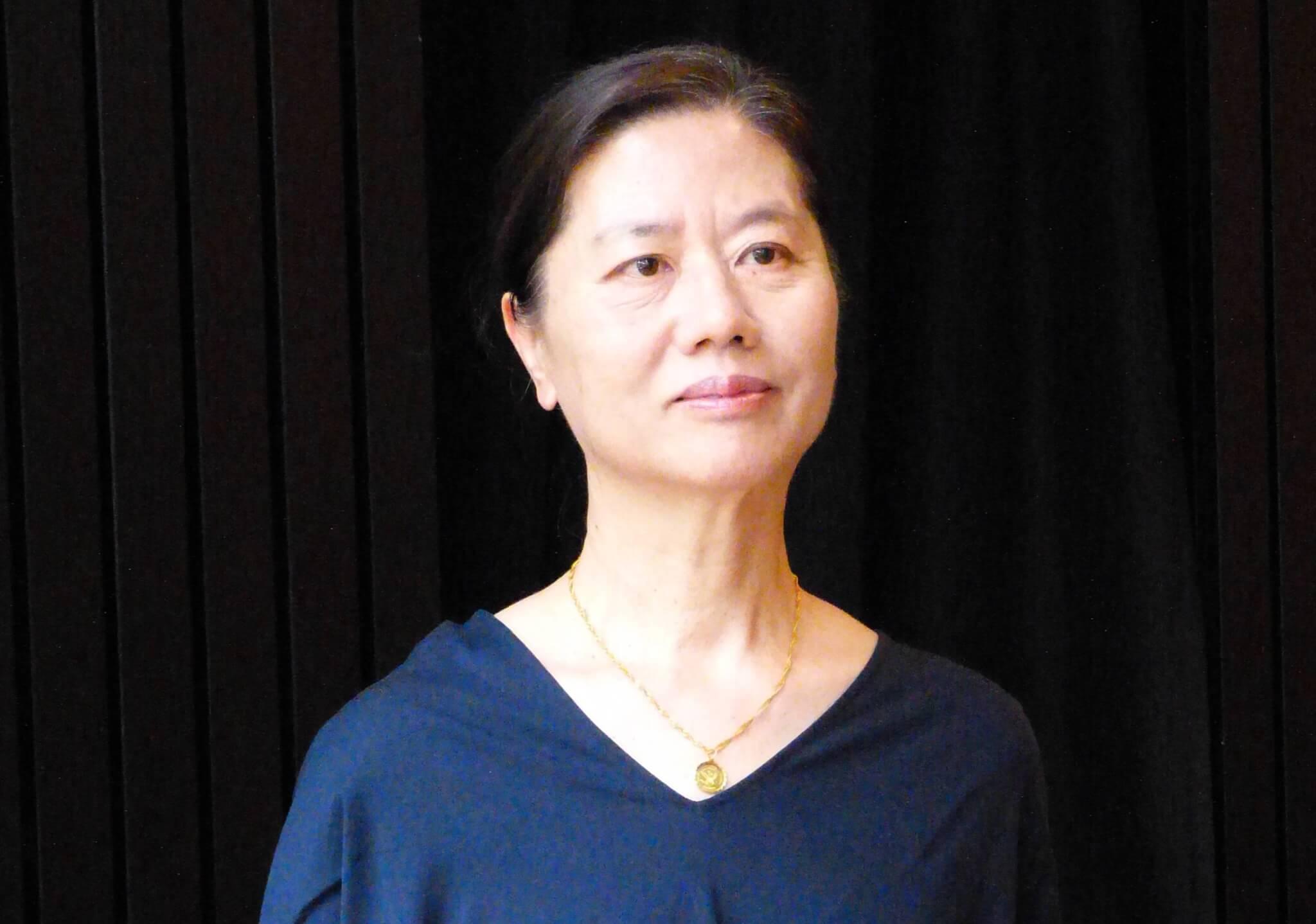 王安憶為中國著名當代作家,代表作有長篇小說《長恨歌》。她今次受許鞍華邀請,改編張愛玲的《第一爐香》,坦言既吸引,又有挑戰。