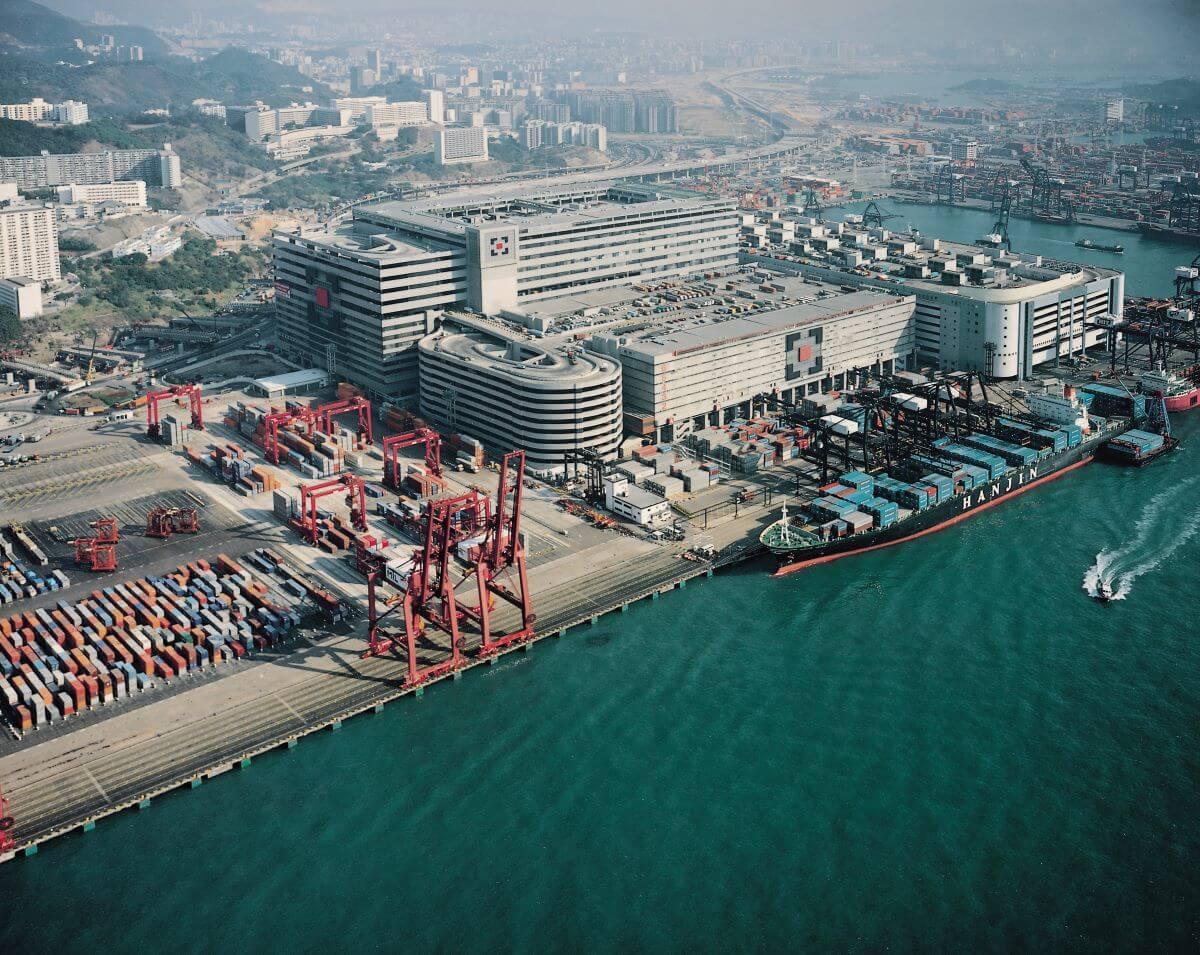 亞洲貨櫃物流中心總建築面積逾八十萬平方米,地方夠大才能實現劉榮廣的層疊式設計理念。(圖片由劉榮廣伍振民建築師事務所提供)