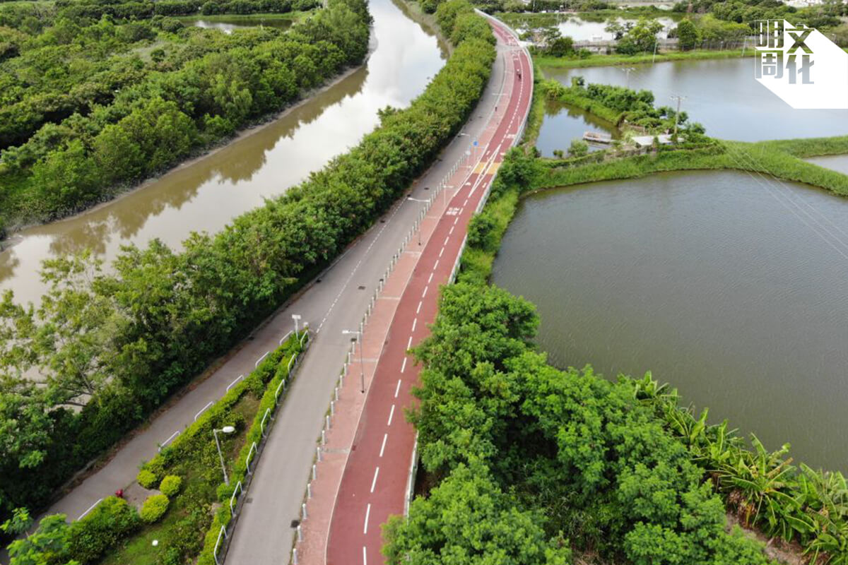 發展局出動航拍機,拍攝壆圍南路一段的優美風景。