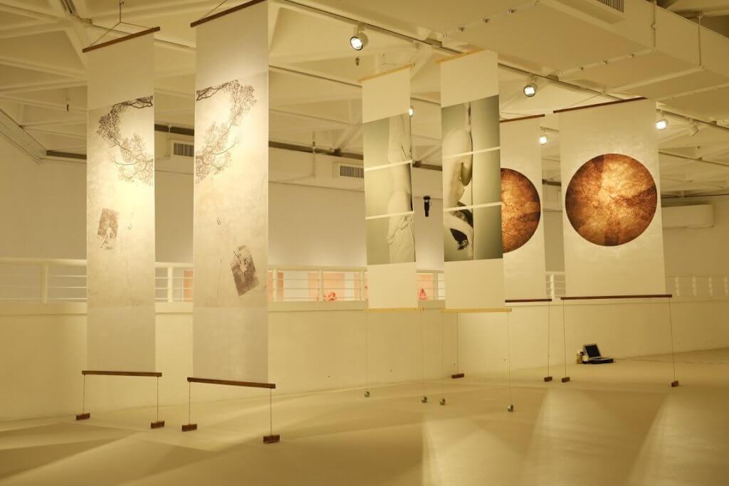 梁山丹創作《三度‧張愛玲》,以當代藝術手法呈現張愛玲自成一格的美學格調