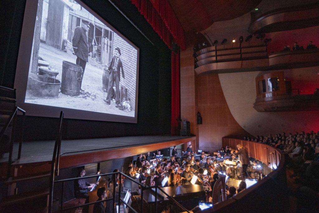 《差利與小孩》(The Kid, 1921)修復版與管弦樂團配樂(圖片由電影節官方網站提供)