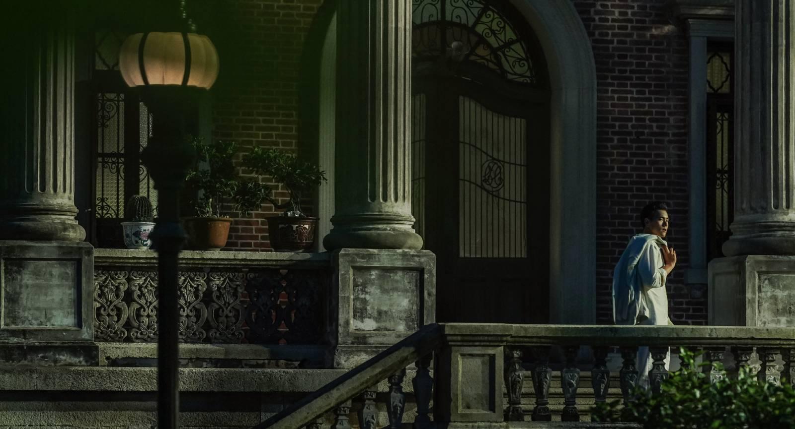 在電影《第一爐香》中,由彭于晏飾演混血兒男主角喬琪喬。王安憶認為喬琪代表了一類沒有皈依、只求現世快感的人物。