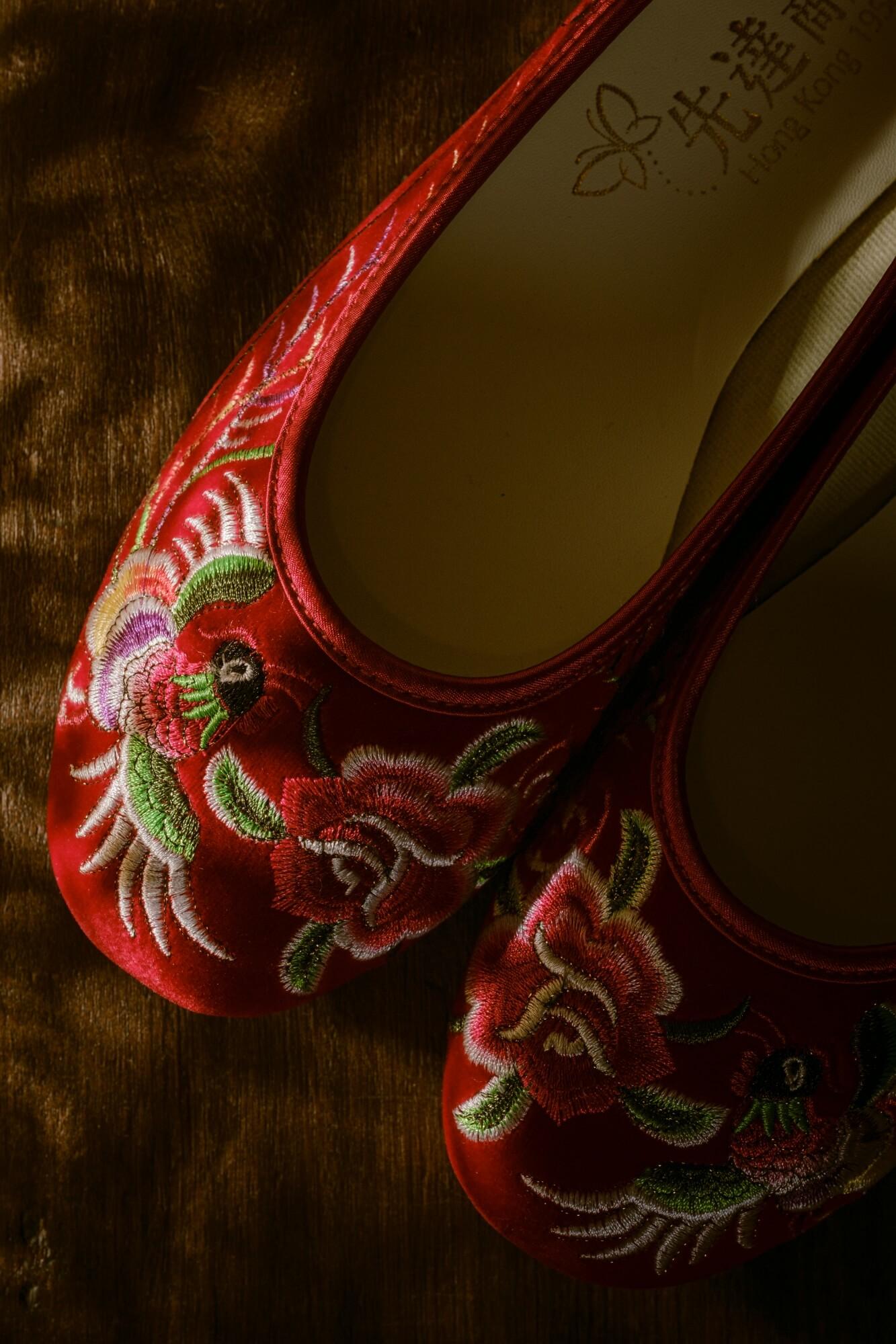 人手製彩鳳薔薇繡花鞋